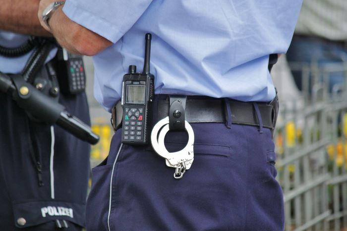 Policja Gdynia: Poszukujemy dwóch kobiet, które mogą mieć związek z kradzieżą pieniędzy