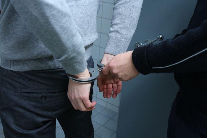 Policja Gdynia: Uwaga!!! Poszukujemy sprawcy kradzieży z włamaniem